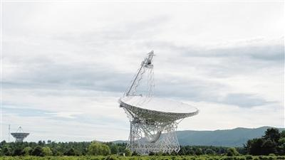 AI检测出宇宙神秘信号距离地球30亿光年星系