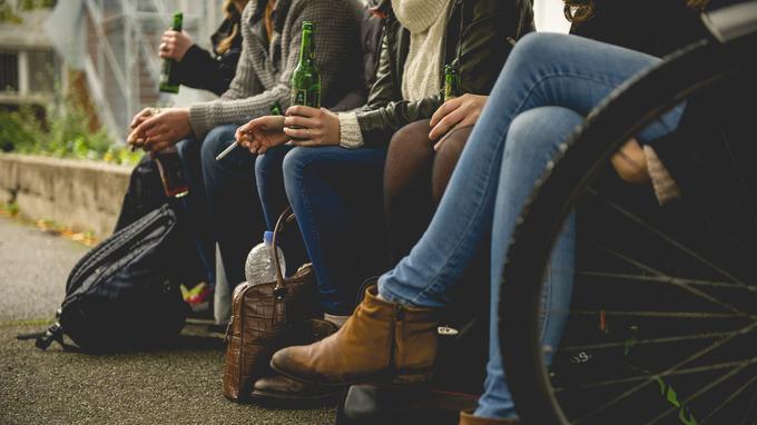 英国欧洲心脏病学会:吸烟酗酒可导致青少年患心血管疾病