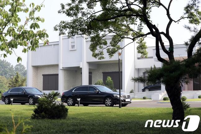 """韩媒揭秘文在寅下榻之地,朝鲜最高领导人会谈的""""1号设施"""""""