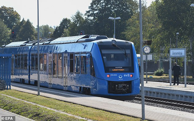 首列氢动力列车在德投入运营 传统列车收到挑战