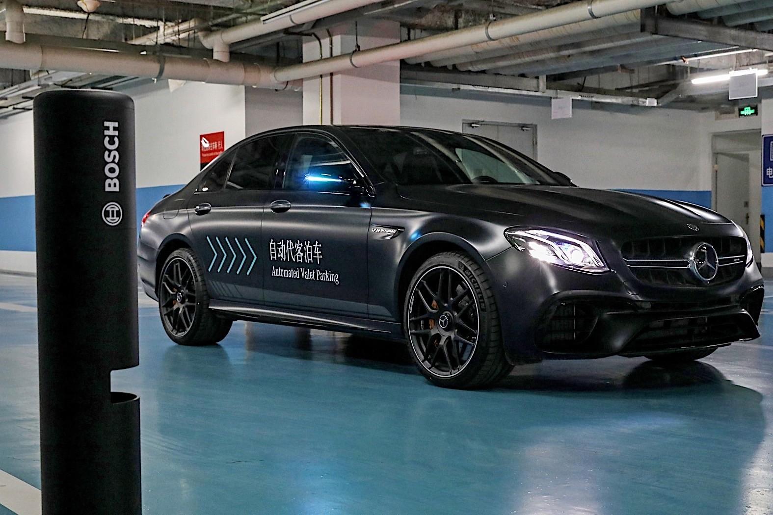 """奔驰""""自动代客泊车""""技术在中国启动测试"""