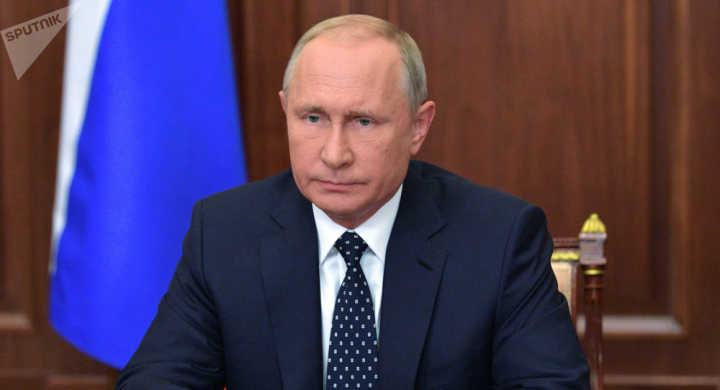 普京对伊尔-20遇难军人亲属表示哀悼 俄传召以色列大使
