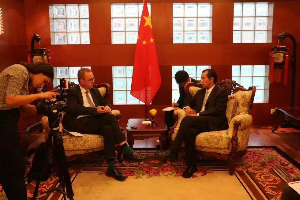 微博上的骂声,果然成了瑞典媒体诘问中国大使的理由