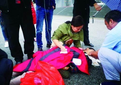 紧急按压心肺 全力抢救20分钟 南阳护士在武当山救了老人一命