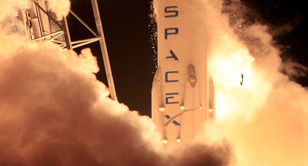 SpaceX称若获得美国政府订单,可将进攻性武器送入太空轨道
