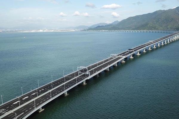 强台风过后 港珠澳大桥安然无恙