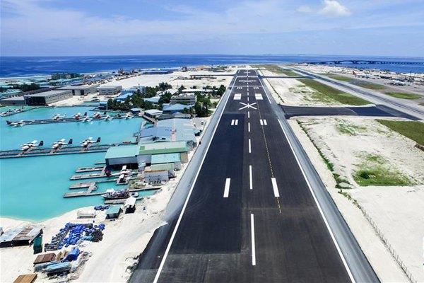 马尔代夫国际机场新跑道举行试飞仪式
