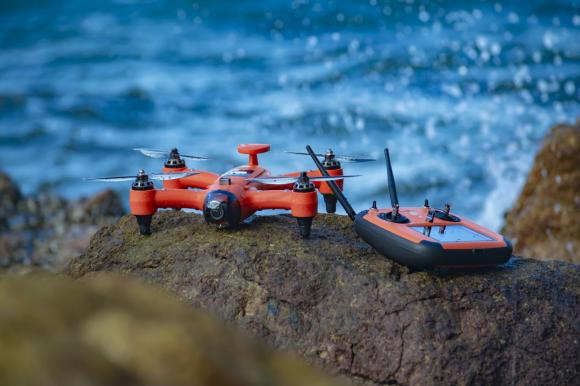 斯威普雨燕便携防水无人机正式发布 众筹价4299元