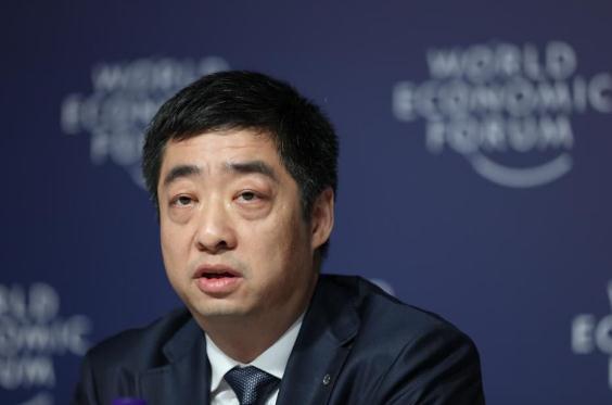 华为轮值CEO胡厚崑透露 华为将在2019年年中推出5G智能折叠屏手机