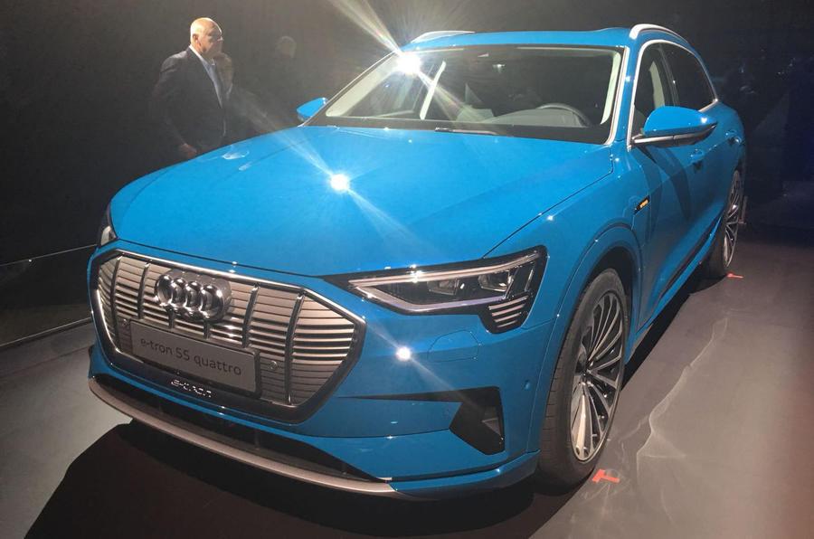 奥迪发布首款纯电动汽车e-tron 续航里程达400公里