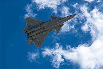 歼-20战机飞行训练组图非常帅气