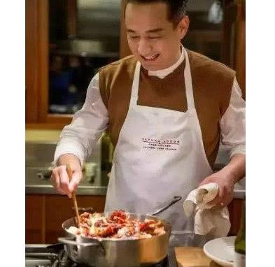 黄磊晒出给女儿做的午饭,网友:没食欲,难怪火锅店凉凉