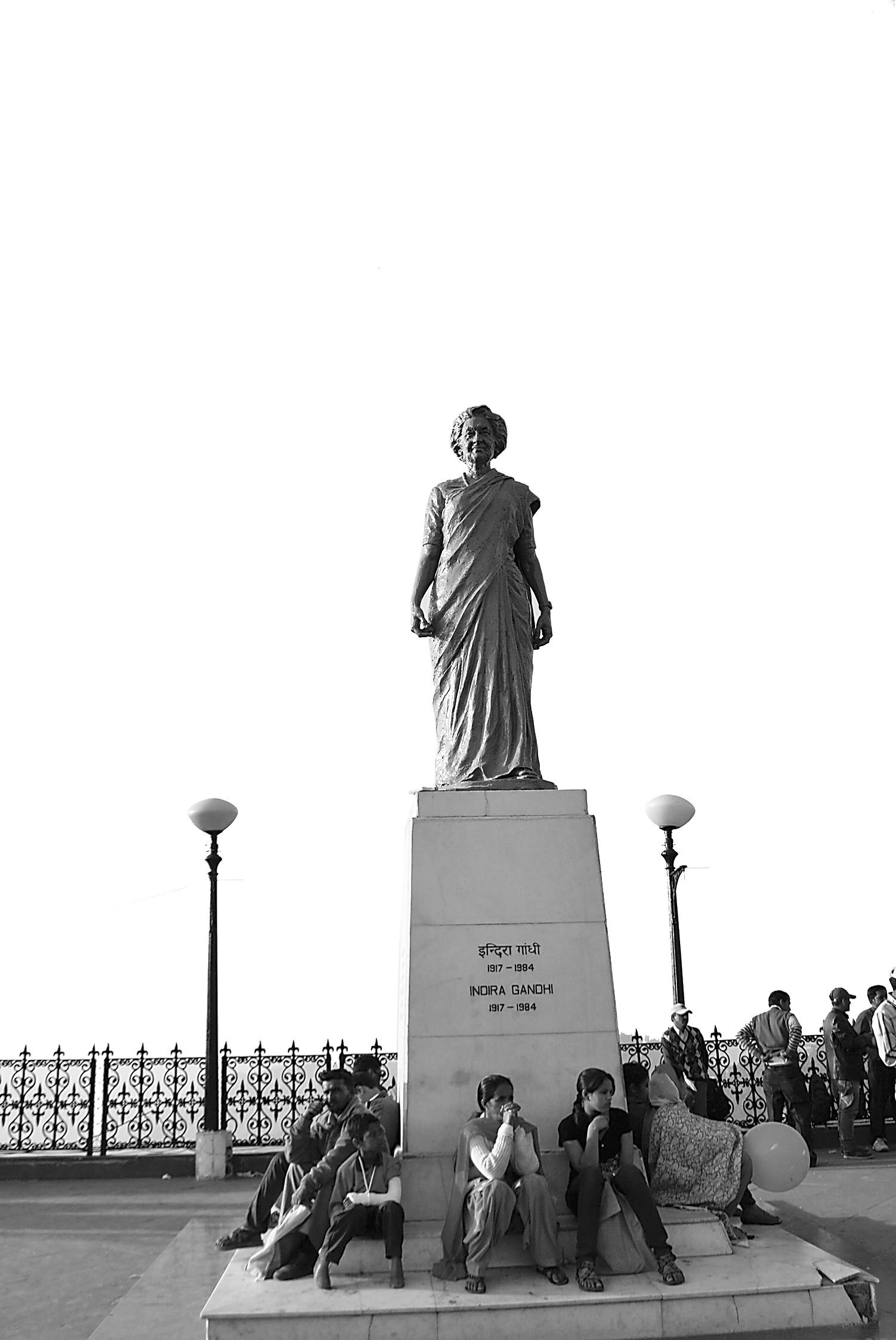 印度人建雕像不只为神佛