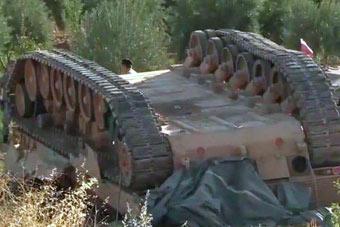 豹2坦克一世英名栽在这国手里了 这回摔个底朝天