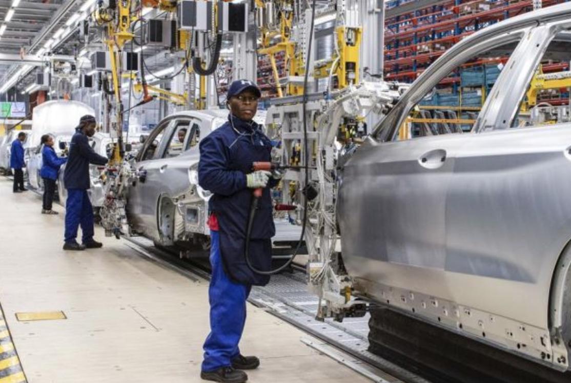 彭博:别怕机器人 汽车业就业机会目前不减反增