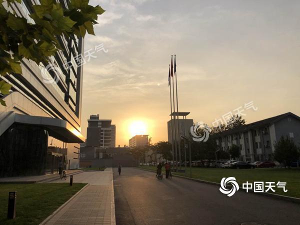 明起冷空气影响北京大风起气温降 中秋假期多晴天