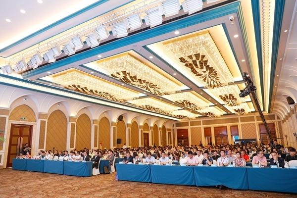 第十届亚洲色彩论坛助力濮院迈向中国时尚第一镇
