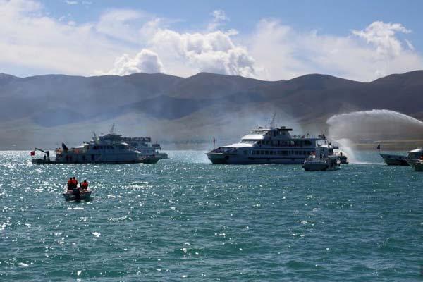 青海湖举行2018年水上联合应急搜救演练