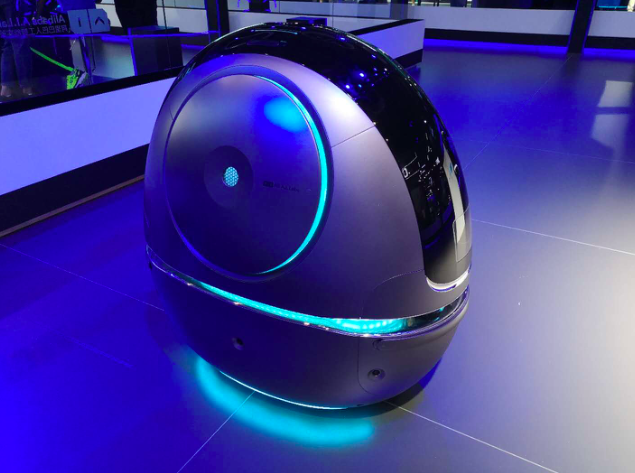 印媒:阿里在中国酒店试用机器人服务顾客
