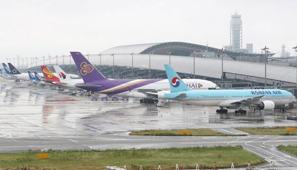 日本关西国际机场全面重开,曾受台风影响大面积被淹