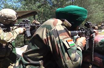 """美印举行""""准备战争""""军演 印度士兵用美国步枪"""