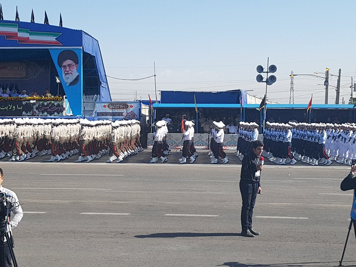 伊朗阅兵遭遇恐袭,数人死亡