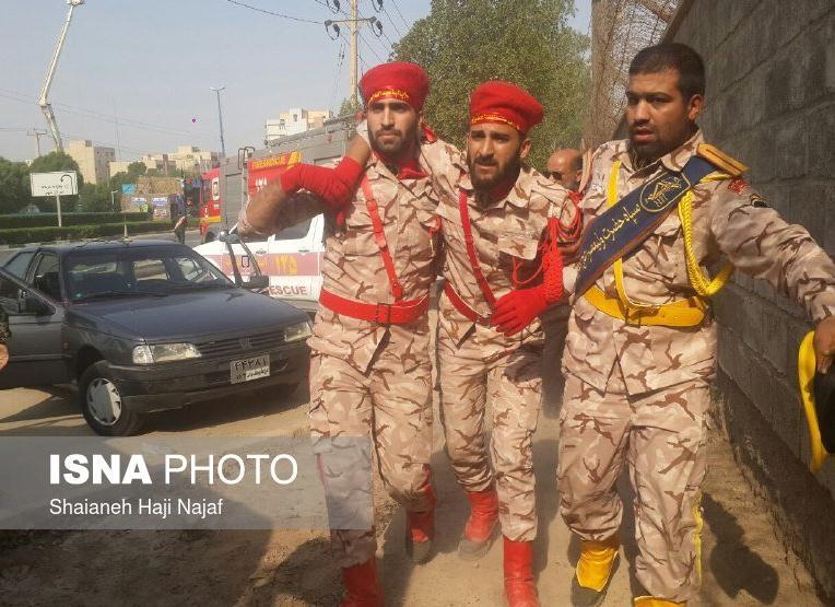 伊朗阅兵现场突发枪击细节:24死至少53伤 4嫌犯中3人被击毙