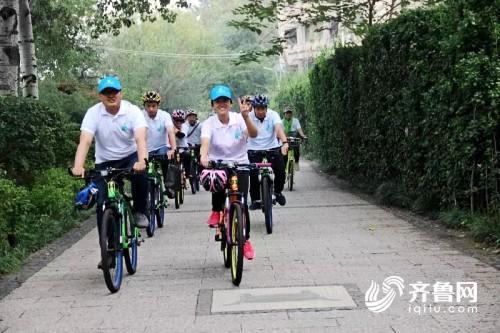 """为""""世界无车日""""助威 潍坊130余名""""绿色使者""""绕城骑行"""