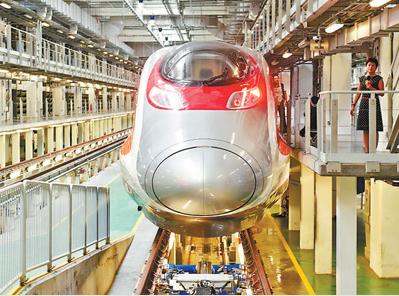 广深港高铁香港段准备就绪 60名香港司机将上岗