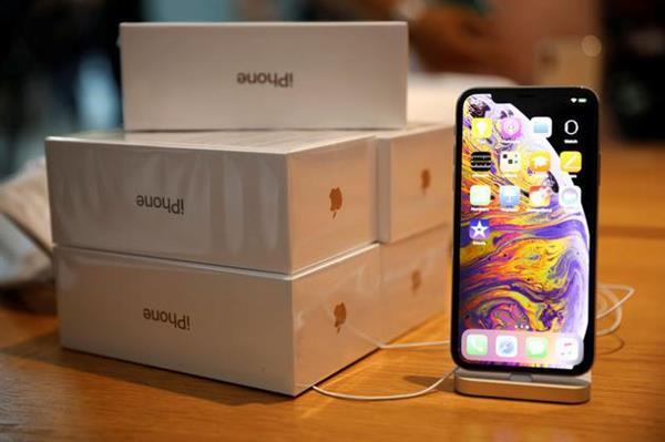 新iPhone拆解:苹果转投Intel基带 弃用三星高通