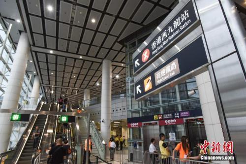 广深港高铁今日全线开通 内地44站点直达香港