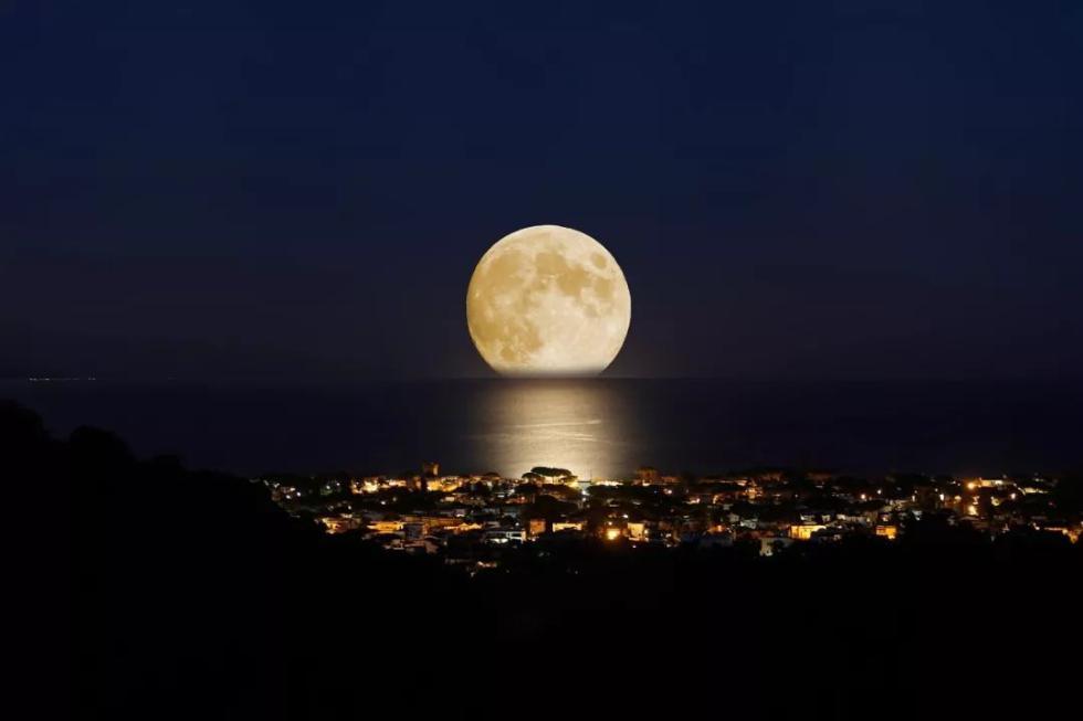 """今年又是""""十五的月亮十六圆"""" 这些地方最适宜赏月"""