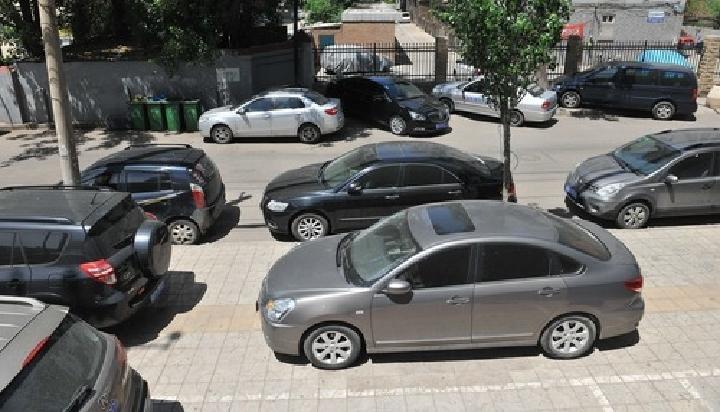 """车辆违停一处,最多会被贴几张""""罚单""""?"""