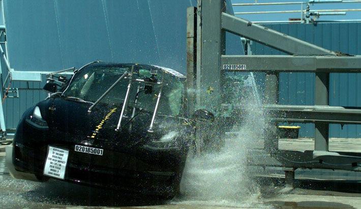 特斯拉Model 3获美国交管局碰撞测试五星评级