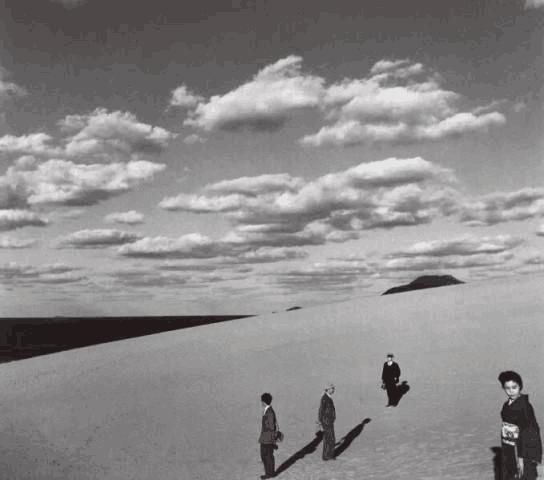 日本摄影师植田正治摄影展首次在华举行