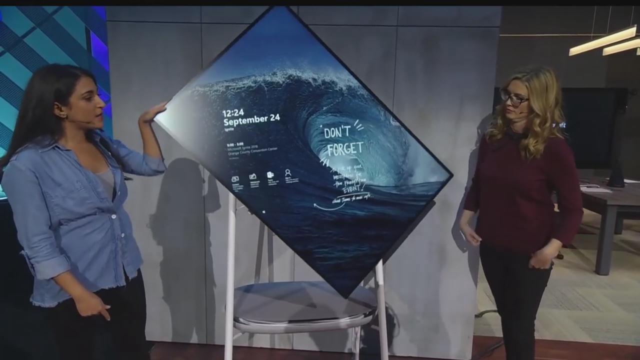 微软首次展示Surface Hub2真机 画面旋转效果亮眼