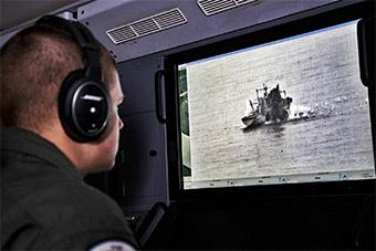 美军P8A反潜机内部曝光:可以监视水面战舰
