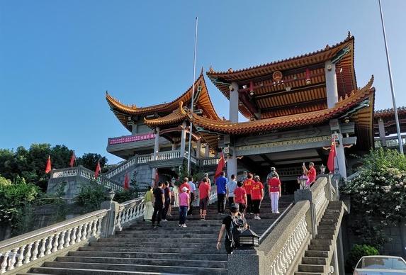 """这个""""台湾省爱国教育基地"""" 被强拆前,再一次升起了五星红旗"""