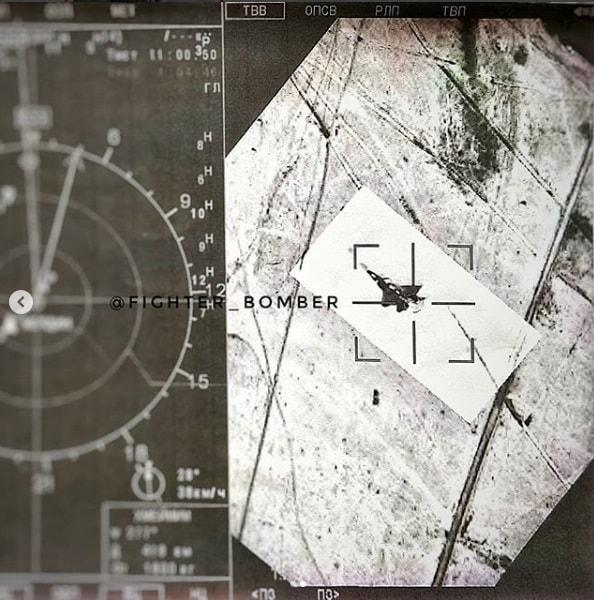 隐身失效?外媒曝光俄军苏35俯冲锁定美军F22