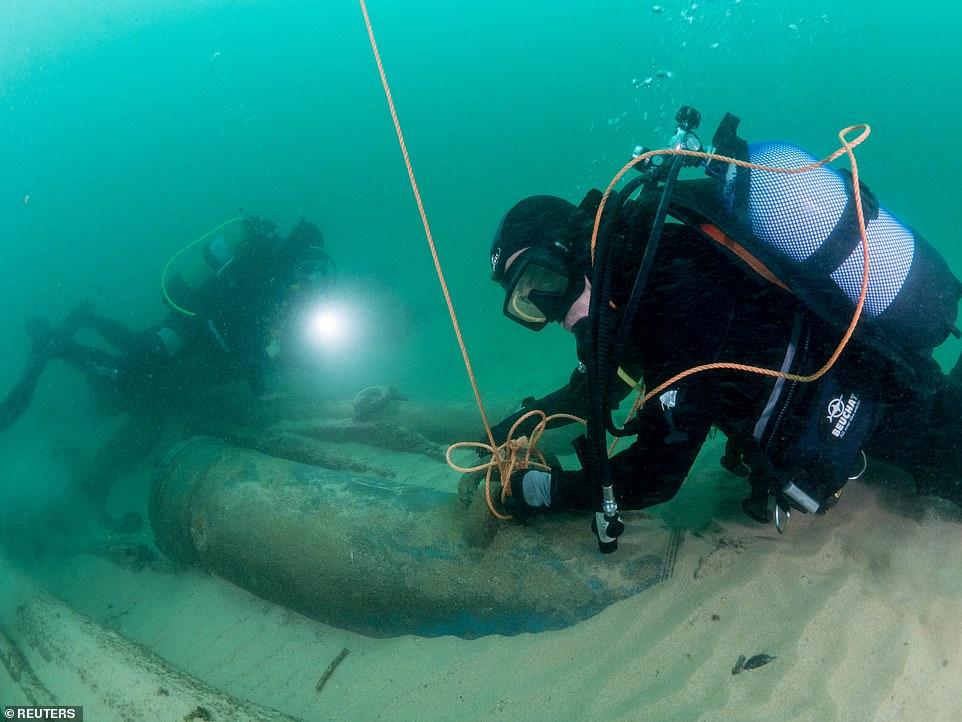 葡萄牙水下考古发掘400年前沉船 发现明代瓷器