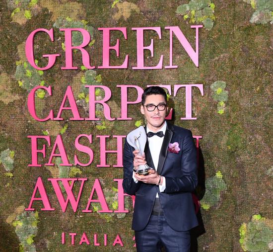 胡兵出席绿毯时尚盛典   传递环保时尚新态度