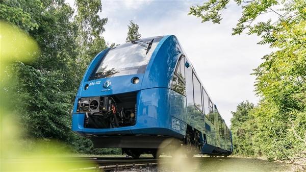 阿尔斯通全球首发氢燃料火车:德国率先装配