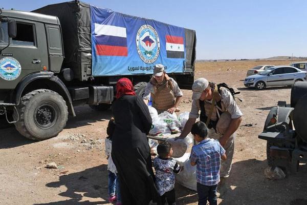 俄罗斯在伊德利卜地带驻军 向民众发放援助