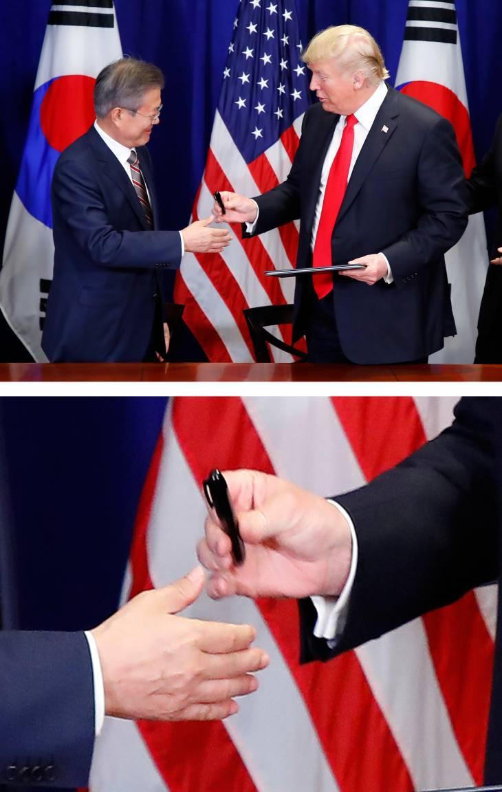 特朗普签字后当场把笔送给文在寅 韩国网友炸锅