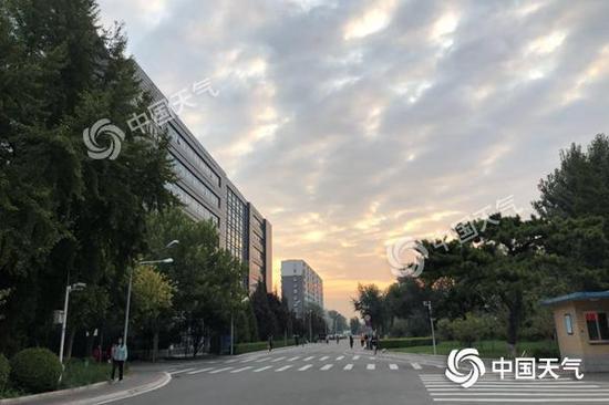 北京27日将有小雨 28日起雨停北风吹