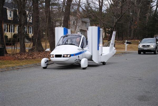 世界首款飞行车Transition将上市 1分钟内变飞机