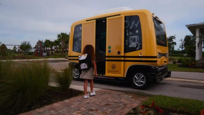 佛罗里达绿色小镇正在测试无人驾驶小型校车巴士