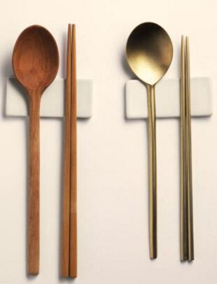 丈夫用公筷在家吃饭20年 妻子气坏:我又不是外人