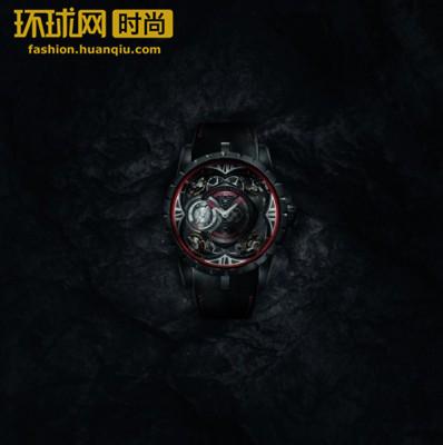 黑色演绎,魅力出击  罗杰杜彼 Excalibur Quatuor Carbon  四游丝摆轮碳纤维腕表隆重登场