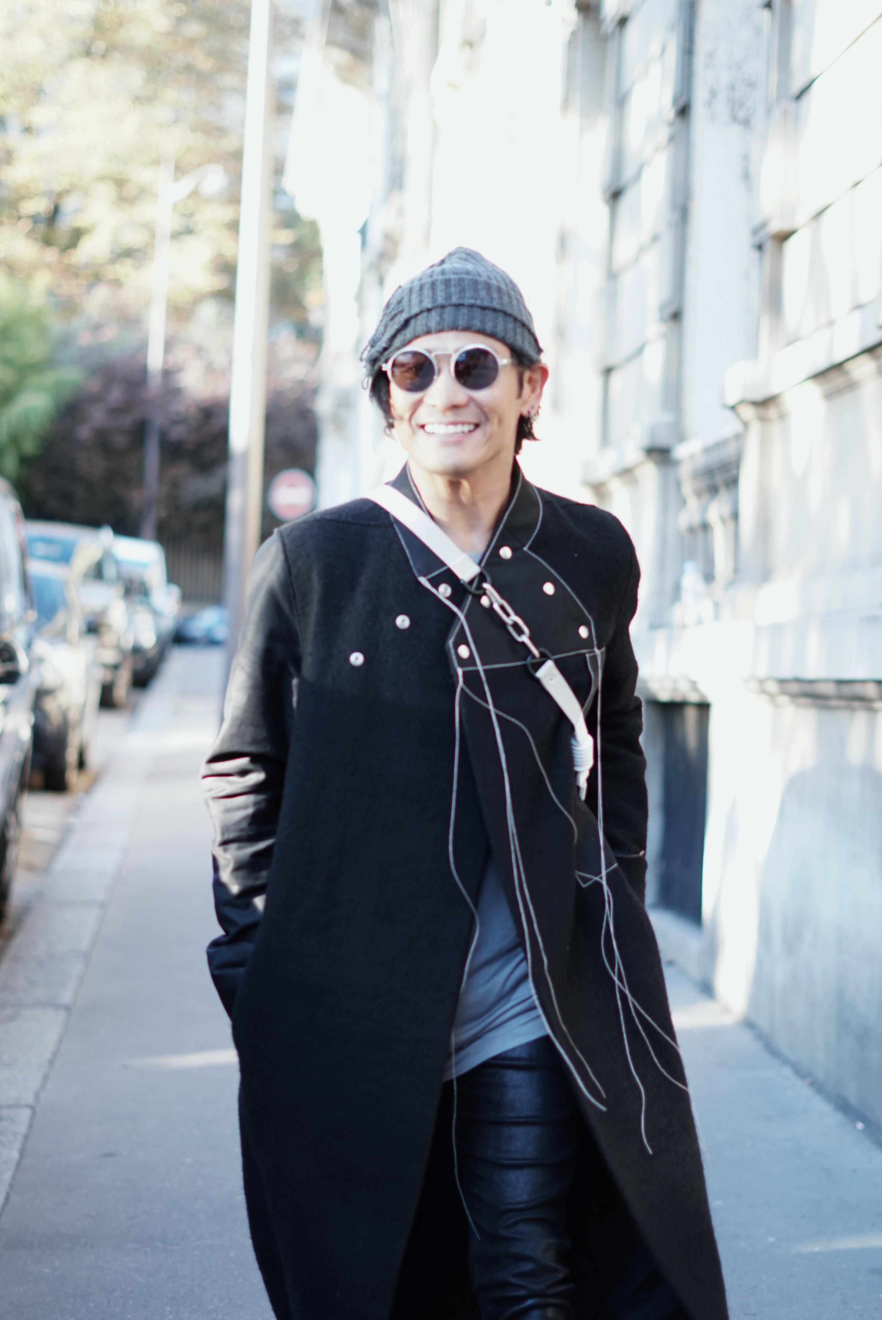 杜德伟受邀出席巴黎时装周 造型吸睛引外媒围拍
